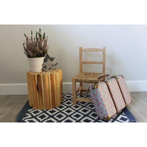 Taburete con troncos de madera #decoración #estilovintage #vintage #homedecor #home #hogar #interiores #inspiración #ideas
