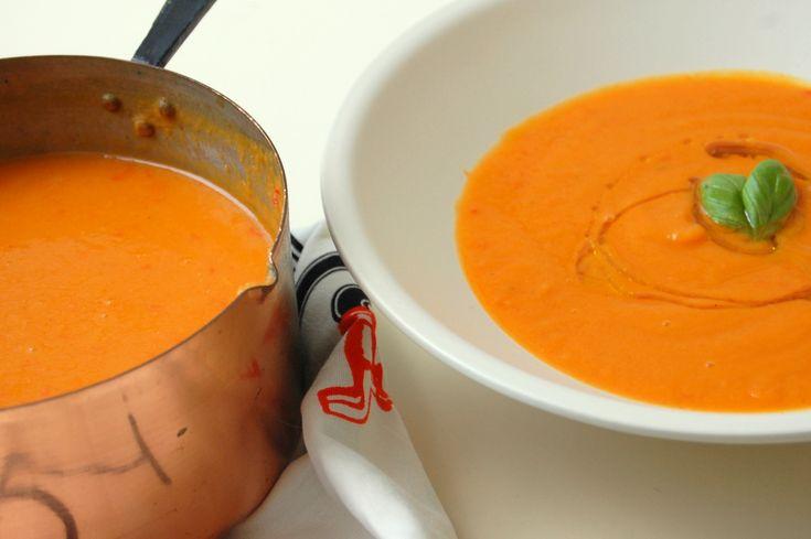 Zoete aardappel-wortel-paprikasoep