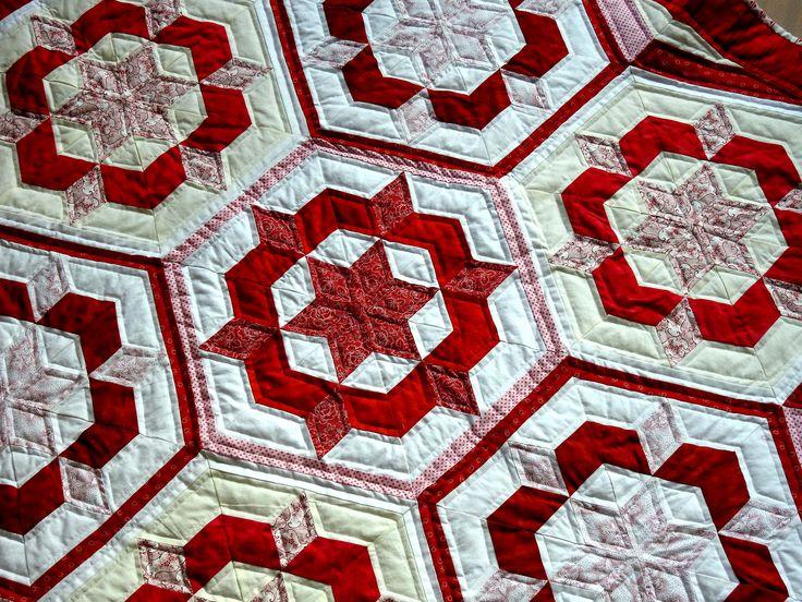 Als Projektergebnis sollte ein Objekt entstehen,welches ich auch in meiner Wohnung verwenden kann. Wir haben einen 6-Eckigen Tisch und es gibt wenig schöne Tischdecken zu kaufen. Die Rot - Weiß- Kombination unterscheidet sich grundsätzlich von meinen bisherigen Patchwork-Tischdecken , die primär keltische oder nordische Motive enthielten. Das 6-eckige Grundmotiv wird durch mehrere Varianten  ...