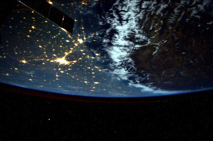 #Himalayas, moonlight enhances how you separate the Indo-Gangetic Plain from the Tibetan Plateau (thanks Wikipedia!)