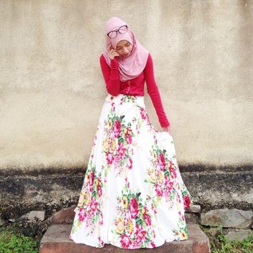 hijab-wearitright:  Joyagh, Indonesian.