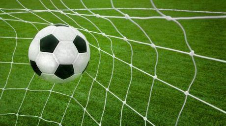 """""""Vulturii"""" atacă """"Zimbrii"""". Divizia Naţională de fotbal revine în actualitate după o pauză de 2 săptămâni"""