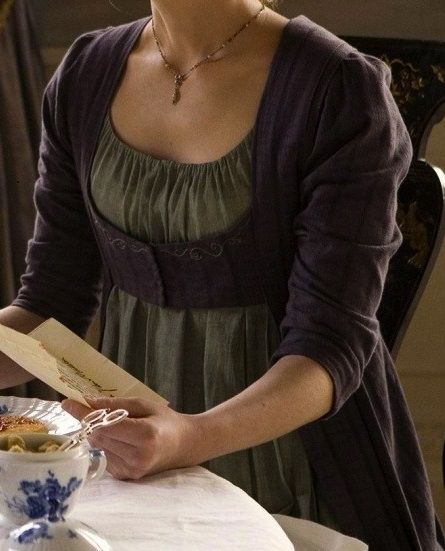 Hattie Morahan as Elinor Dashwood in Sense and Sensibility (TV Mini-Series, 2008). http://the-garden-of-delights.tumblr.com/post/72591116319#notes