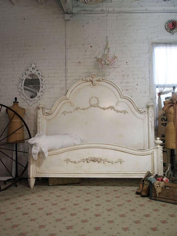 Cream bed: Paintings Furniture, Shabby Chic Furniture, Cottages Shabby, Dreams Beds, Furniture Beds, Paintings Cottages, Master Bedrooms, Beds Frames, Romances King