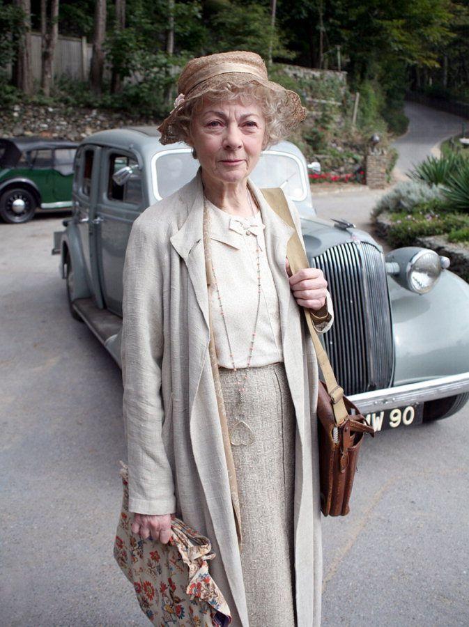 Tea with the Vintage Baroness: Miss Marple, Fashion Icon?