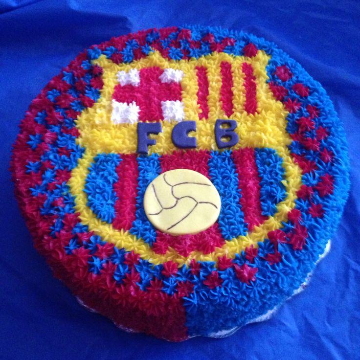 Una pasión completa !  Pastel Barça vainilla relleno de fresa y nuez !!!