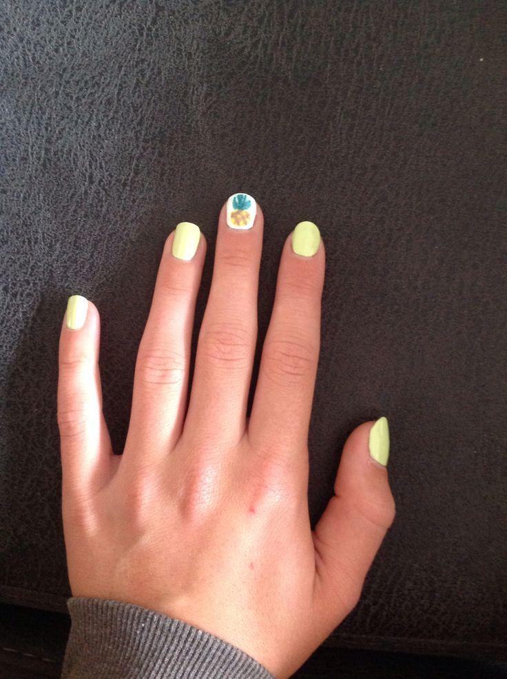 Ananas op mijn nagel