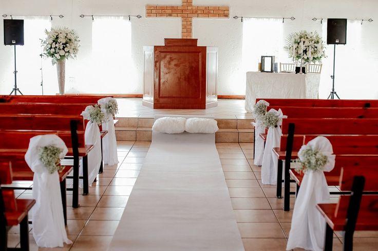 Monte Vista Venue white chapel setup for a white and gold wedding