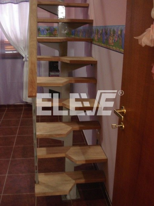 Best 25 escaleras para espacios reducidos ideas on for Closet para espacios pequenos