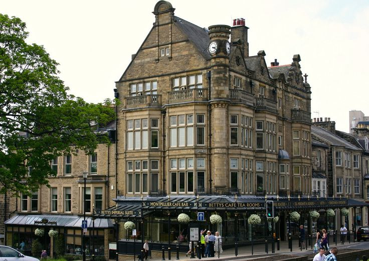Betty's, Harrogate and a list of 20 other tea rooms in the UK - lovely post!!