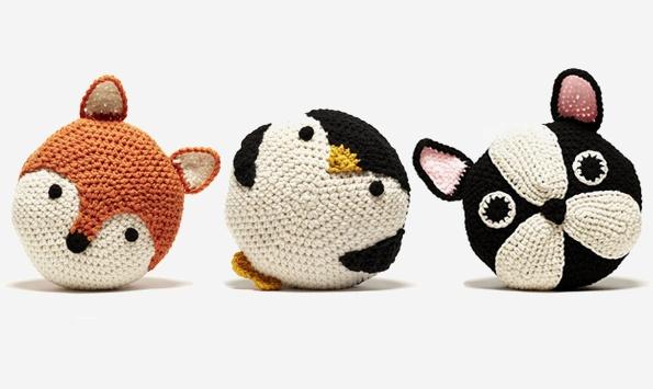 ...: Crochet Animal, Penguins Pillows, Crochet Penguins Patterns, Pillows Crochet, Crochet Pillows, Things Handmadecrochet, Crochet Cushions, Peanut Butter, Cudd Crochet