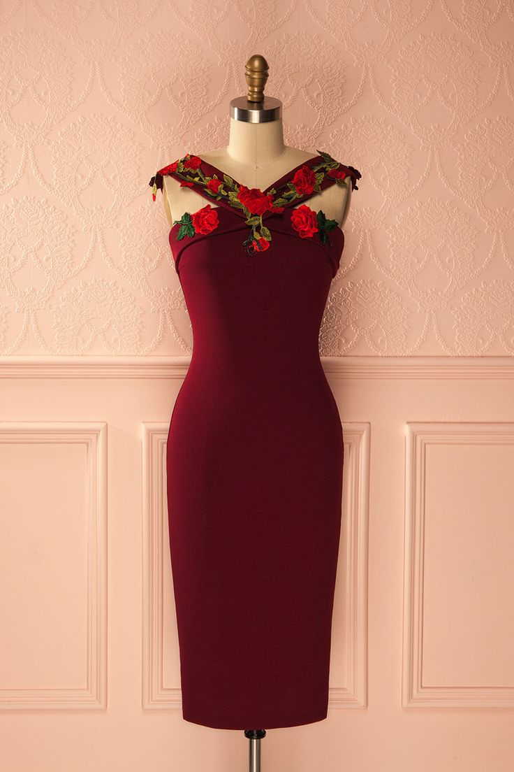 Elle se vêtit de roses afin d'invoquer leur tendresse et passion.   She draped herself in roses to summon their tenderness and passion.  Karen - Deep red fitted party dress with roses www.1861.ca