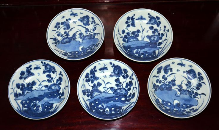 5 pcs Kangxi Blue and White Floral Dishes
