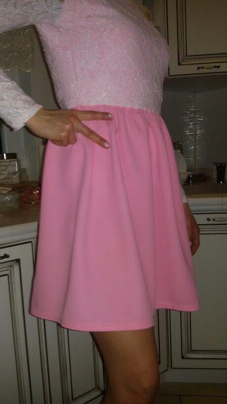 powyżej sukienka zamówiona w pakuten ktora niestety nie wygląda na taką samą jak z katalogu.!!!