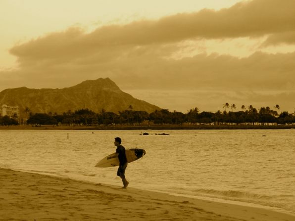 Gone Surfing (Image by E-PR): Surfing Images, E Pr, Surfing Culture, Waikiki Beach, Hawaii Favorit, Beaches Surfing, Long Boards Surfing, Surfing Waves, Surfing Photography