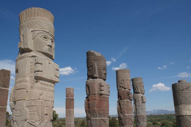 Atlantes de Tula, símbolo de la cultura tolteca. The archaeological ruins of Tula are located in the Mexican state of Hildalgo about 50 kilometers northwest of Mexico City.
