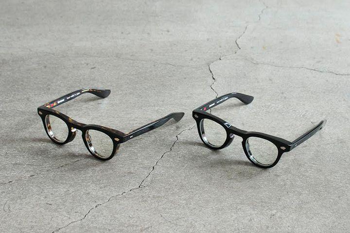 即完売した「AW」が限定復刻!エフェクター×エフィレボルのコラボ眼鏡が発売決定   アパレルブランド〈エフィレボル(.efiLevol)〉と、アイウェアブランド〈エフェクター(EFFECTOR)〉のコラボ眼鏡『AW』の新モデルと復刻アイテムが登場。2017年5月25日(木)より発売開始される。    常に新しい提案をし続けている〈エフィレボル〉と、『ハンド・メイド・イン・ジャパン』を掲げ展開する〈エフェクター〉がタッグを組んで以来、定番アイテムとして作り続けてきた眼...