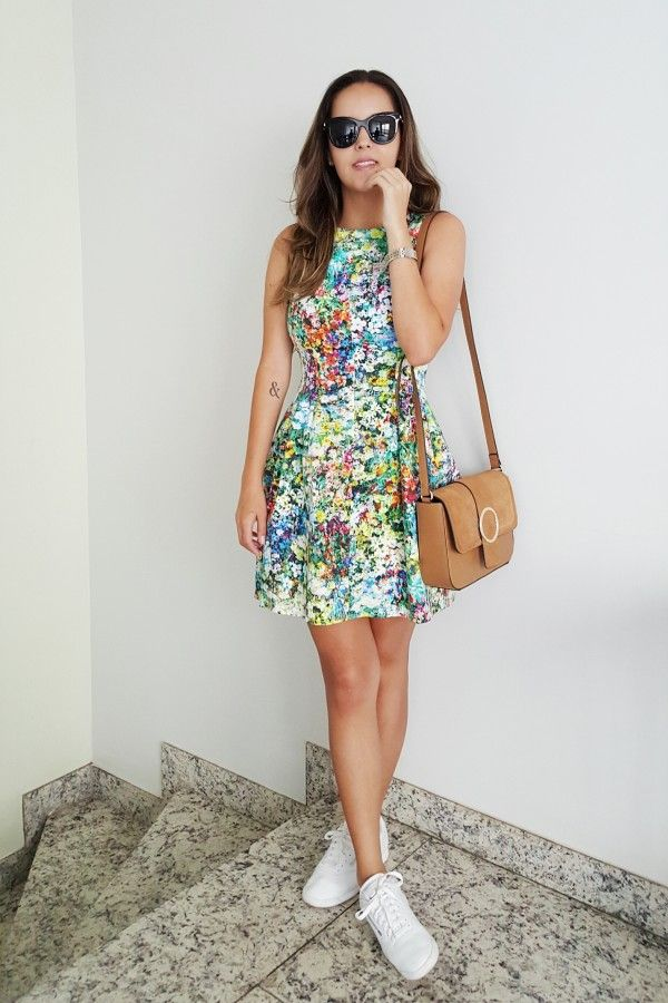 Look da Camis | Camila Gomes | Sim, Senhorita | Vestido Zara, Bolsa Zara, Óculos Giorgio Armani e Tênis Reebook