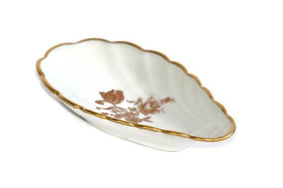 Antiques Vintage Porcelain Shell Soap Dish Plate Roses Gilt Shabby Cottage Chic Lg Decorative Arts
