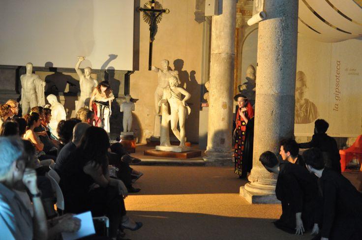 http://normalenews.sns.it/il-gruppo-teatrale-della-normale-stupisce-con-la-messa-in-scena-dellelettra/