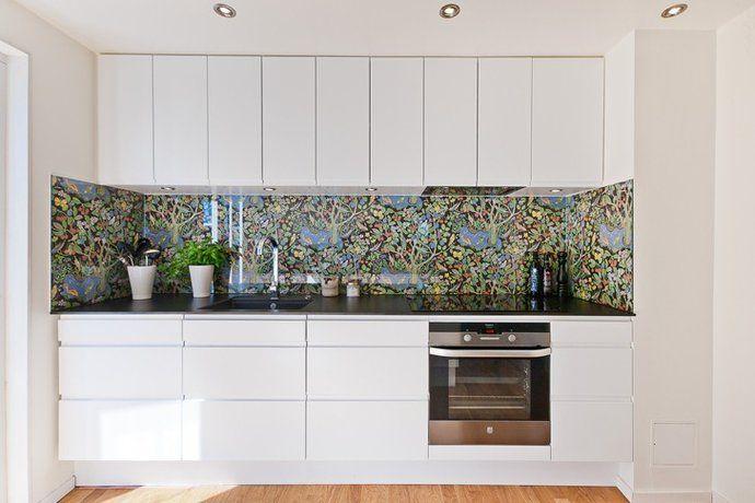 Hus No 38 - att bygga hus: Badrumsspeglar & stänkskydd till kök