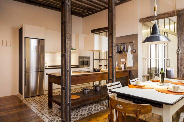 The Sibarist Rastro : Cucina in stile rustico di The Sibarist Property & Homes