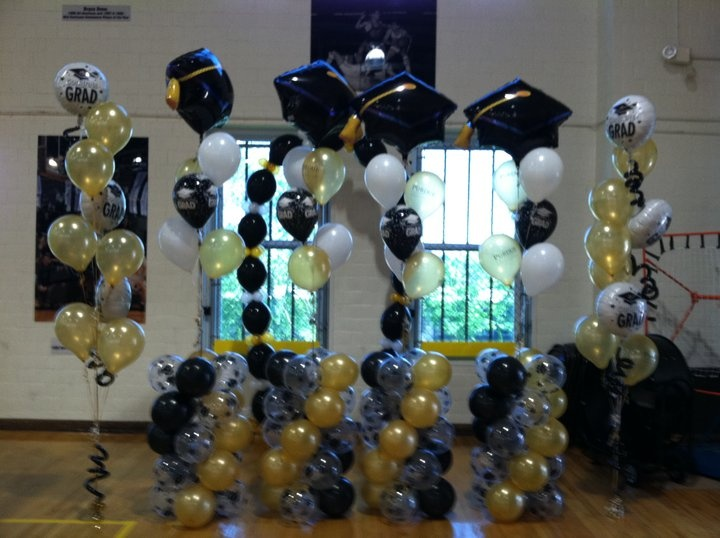 If you have a large room ... fill it with balloons and large sculptures. Further information at facebook.com/party.outlet.valpo