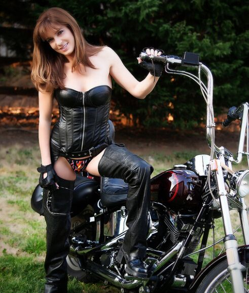 38 Best Women Harley Riders Images On Pinterest  Motorbike Girl -8981