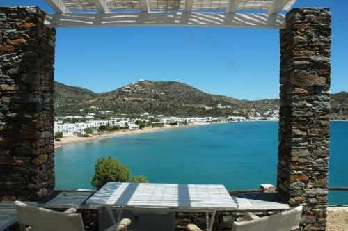Akrotiraki Apartments - peaceful maisonettes overlooking the beach of Platy Yialos. Enquiries aegean@thesaurus.gr