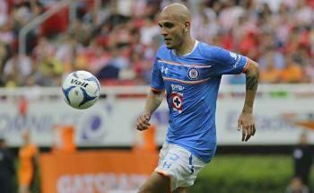 Fabio Santos no promete título con Cruz Azul