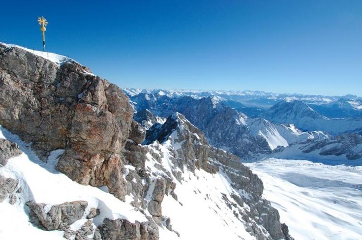 Zugspitze the highest peak in Germany : Zugspitze : Bayerische Zugspitzbahn Bergbahn AG