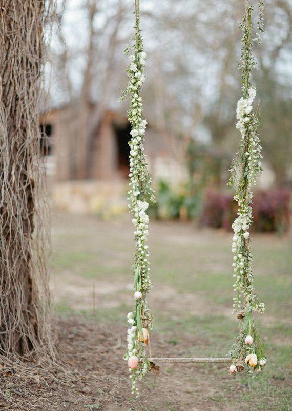 Detalles románticos y femeninos en tu boda: Romantic Wedding, Wedding Ideas, Spring Weddings, Swings, Dream Wedding, Photo