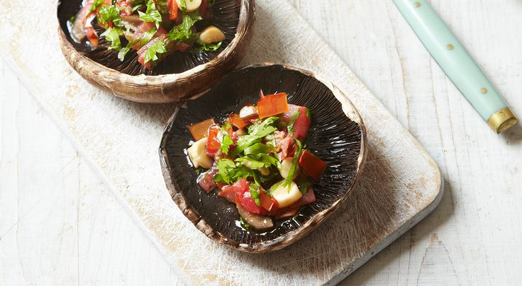 78 calories A great low calorie meal for a fast day lunch. Serves 1 • Cook time: 15 minutes 2 flat open or portobello mushrooms (32 cals) 1 tsp extra-virgin olive oil (27 cals) ½ garlic clove, peel...