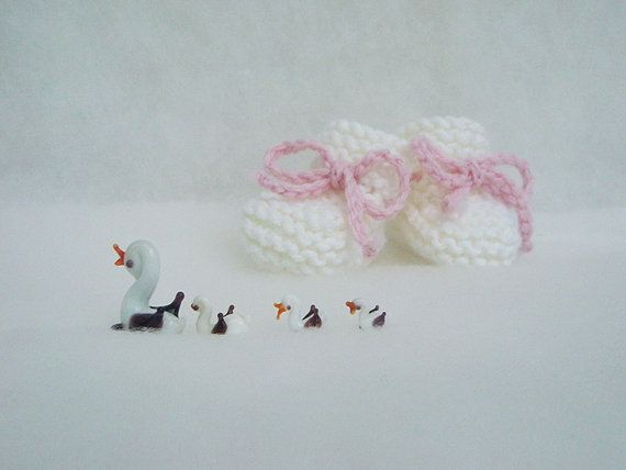 Shoes for babies Knit Newborn booties boots Photo prop by nerina52, $26.00