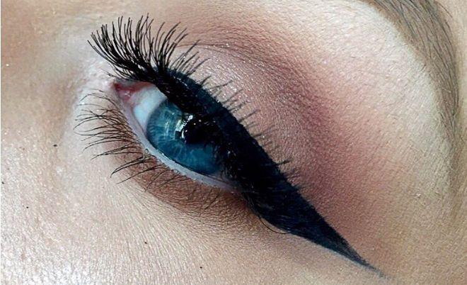 Winged Eyeliner Tutorial by Kate McCormack