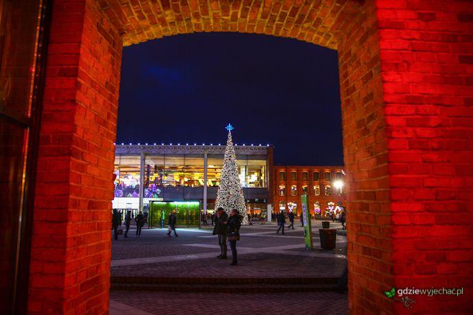 Łódź, Centrum Handlowe Manufaktura w święta #lodz #christmas http://gdziewyjechac.pl/24486/zwiedzanie-lodzi-w-weekend-co-warto-zobaczyc.html