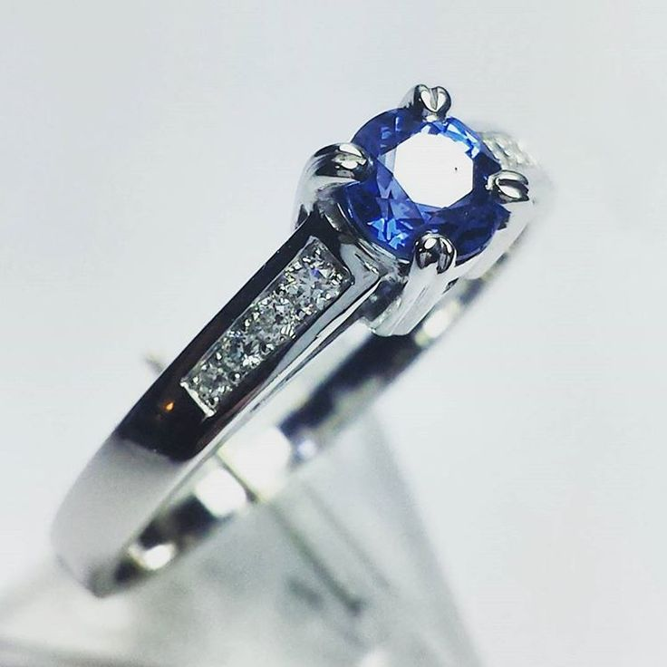 Beautiful #sapphire ring in white gold. #goldsmith #jewelryaddict #whitegold #blingbling #eyecatching #exlusive #luxury #timeless #oneofakind #engagement #yes #sayyes #thisisit #custommade #jewelrydesign #jewelry #sobeautiful #diamonds #amazing #accessories #follow #fashionjewelry