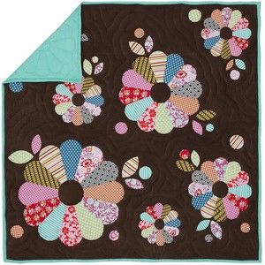 Modern dresden: Dark Backgrounds, Appliques Quilts Ideas, Dresden Flower, Dresden Appliques, Patchwork Quilts, Funky Floral, Floral Quilts, Dresden Plates Quilts, Flower Quilts