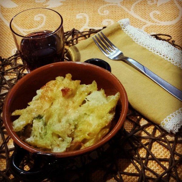 Penne con verza, mozzarella e cotto (savoy cabbage, mozzarella and ham steak)