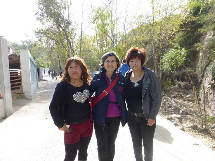 Ramona McKean with Yangjiazhuang village gals. :-)