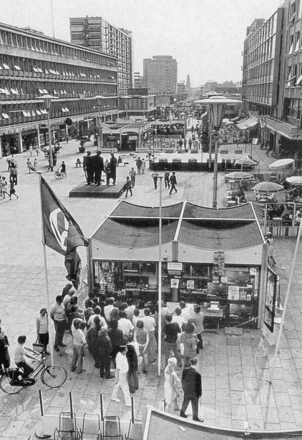 Het Stadhuisplein in 1970 tijdens de C70.