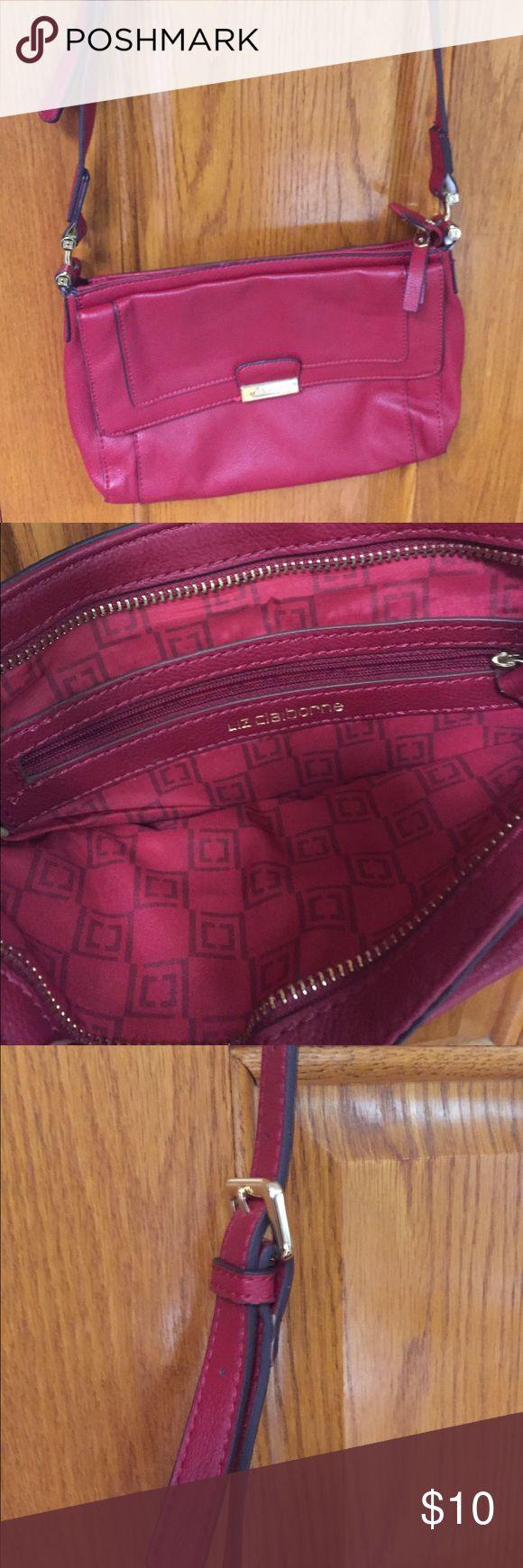 Liz Claiborne red shoulder bag Used but in good condition, red Liz Claiborne shoulder bag Liz Claiborne Bags Shoulder Bags