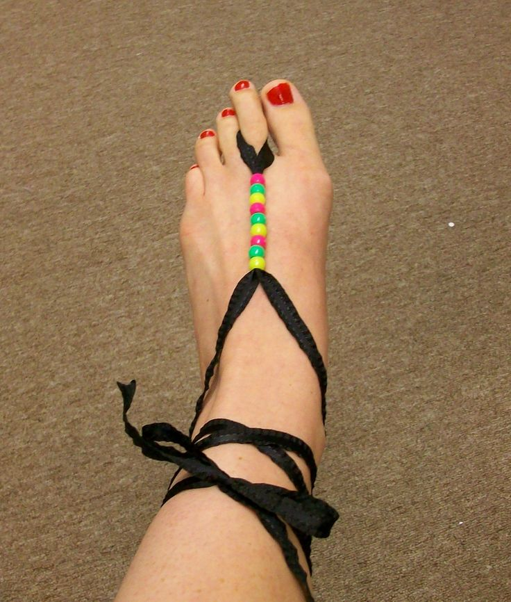Check back later this week to see two more Barefoot Sandal tutorials!