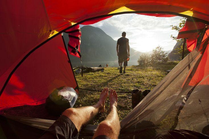 Iesirile cu cortul inseamna si intalnirea cu insectele. Iti pot rapi somnul odihnitor asa ca trebuie sa stii cum sa tii insectele departe de cort.