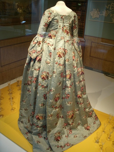 18th century dress from the back
