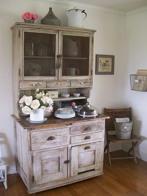 Lovely: Dining Rooms, Secret Gardens, Dreams, Shabby Chic, Hutch Ideas, Cupboards, House, Old Cabinets, Gardens Cottages