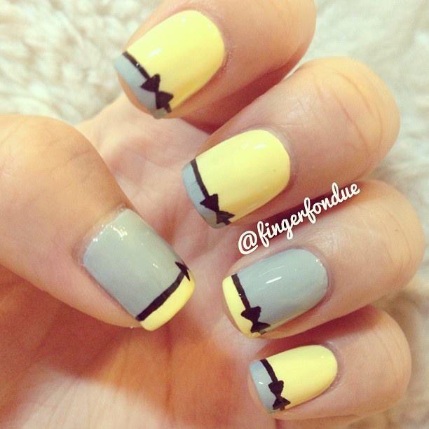 Nail art bow design