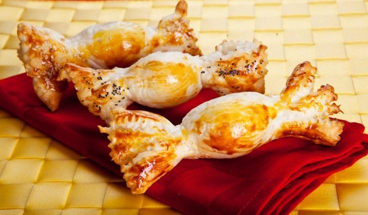 Caramelle di sfoglia ripiene con uova di quaglia