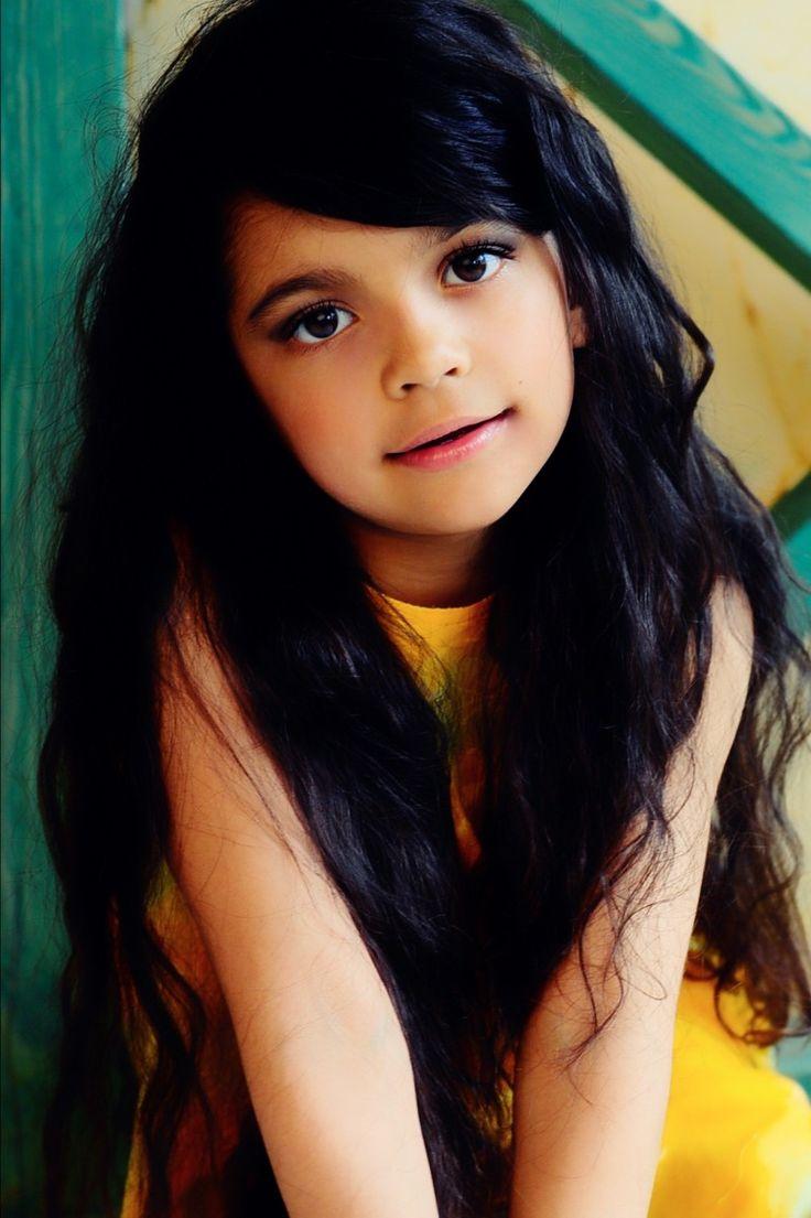 392 best Mädchen mit schwarze Haare images on Pinterest