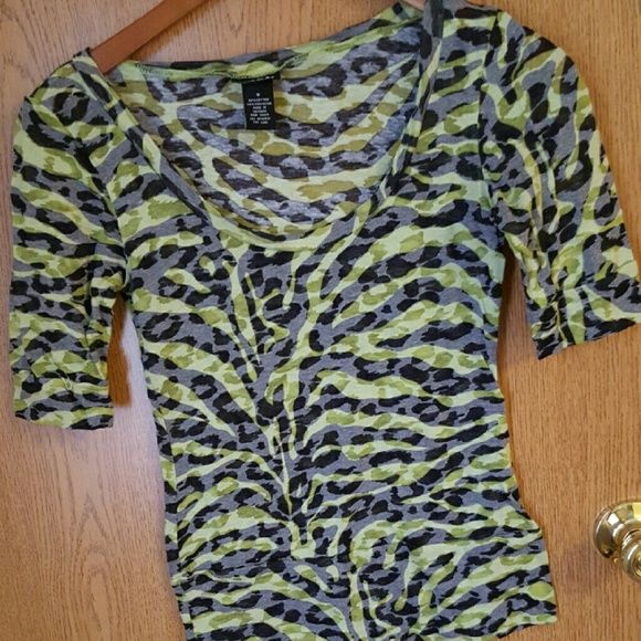 Rue 21 top Rue 21 top. Barely worn. Great condition. You can see through some. Rue 21 Tops Tees - Short Sleeve